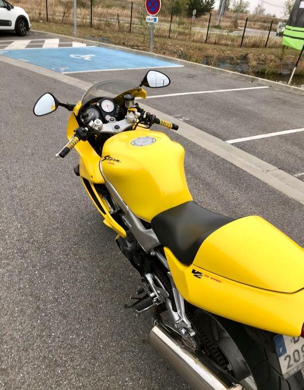 Honda 1000 VTR